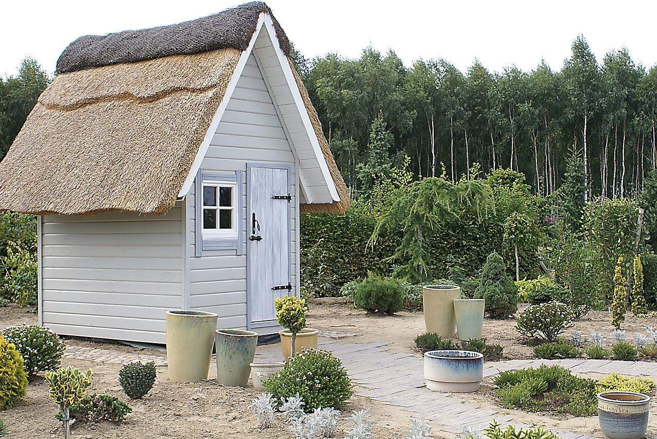 Záhradný domček z hliníku alebo plastu