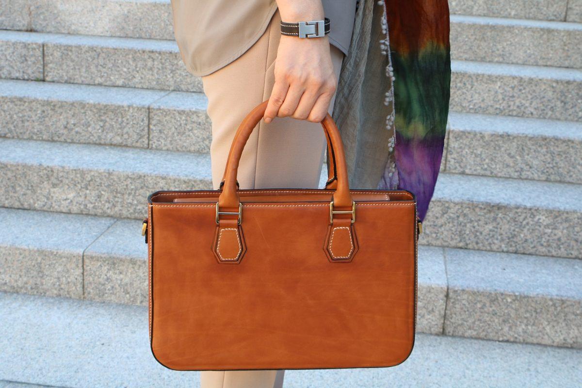 Praktické rady, ktoré vám uľahčia výber novej dámskej kabelky