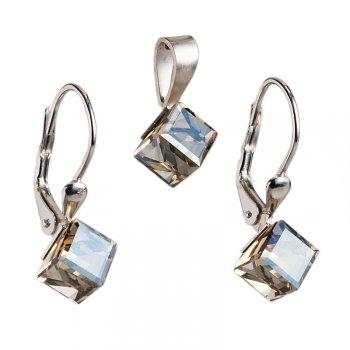 Naučíme vás kombinovať šperky s outfitmi
